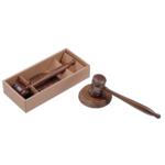Молоток из орехового дерева Bestar с круглой основой в комплекте (3824WDN)